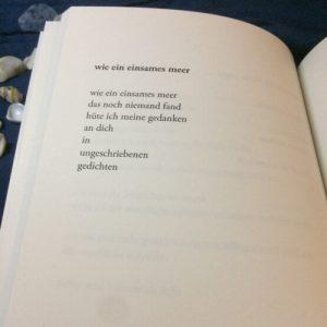 wie ein einsames meer, aus licht und blau - Gedichte von Rea Revekka Poulharidou